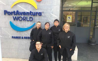 """5 joves del projecte """"Agafa't"""" ocupen vacants laborals al sopar solidari de la Fundació Port Aventura"""